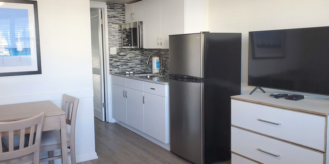 Esplanade Suites 1 bdr kitchen 1140×570