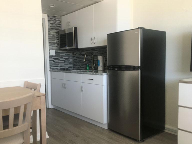 Esplanade Suites 1 bdr kitchen 2