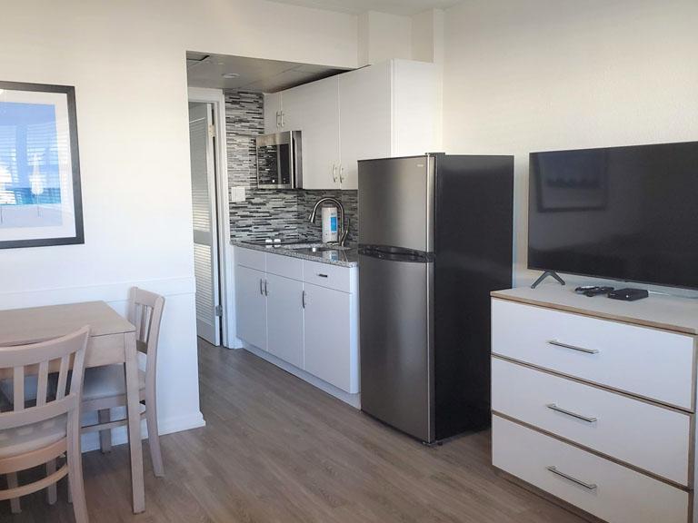 Esplanade Suites 1 bdr kitchen