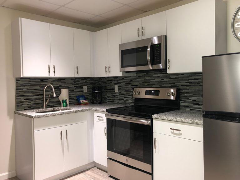 Esplanade Suites 2 bdr kitchen