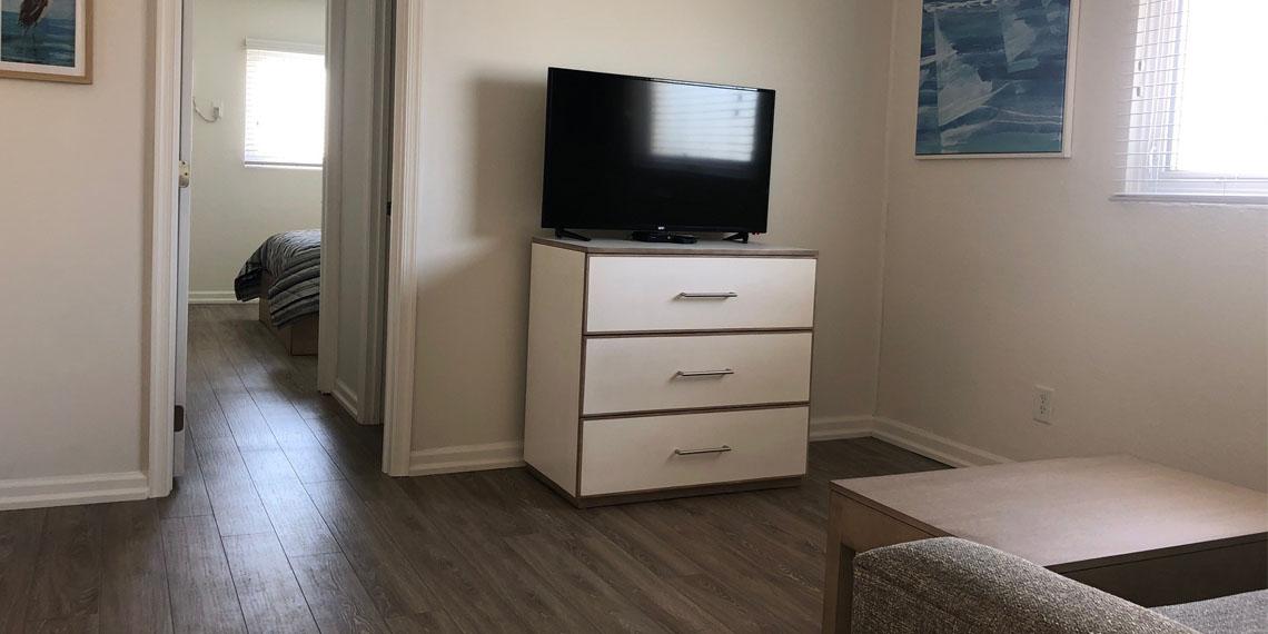 Esplanade Suites 2 bdr living room 2 1140×570