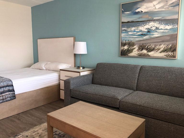 Esplanade Suites studio bed 768x576