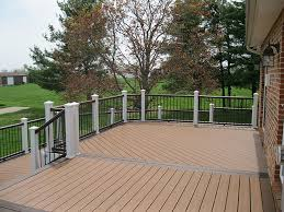 Composite Decking w/Picture Framing