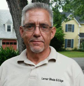 Robert Lamar Headshot