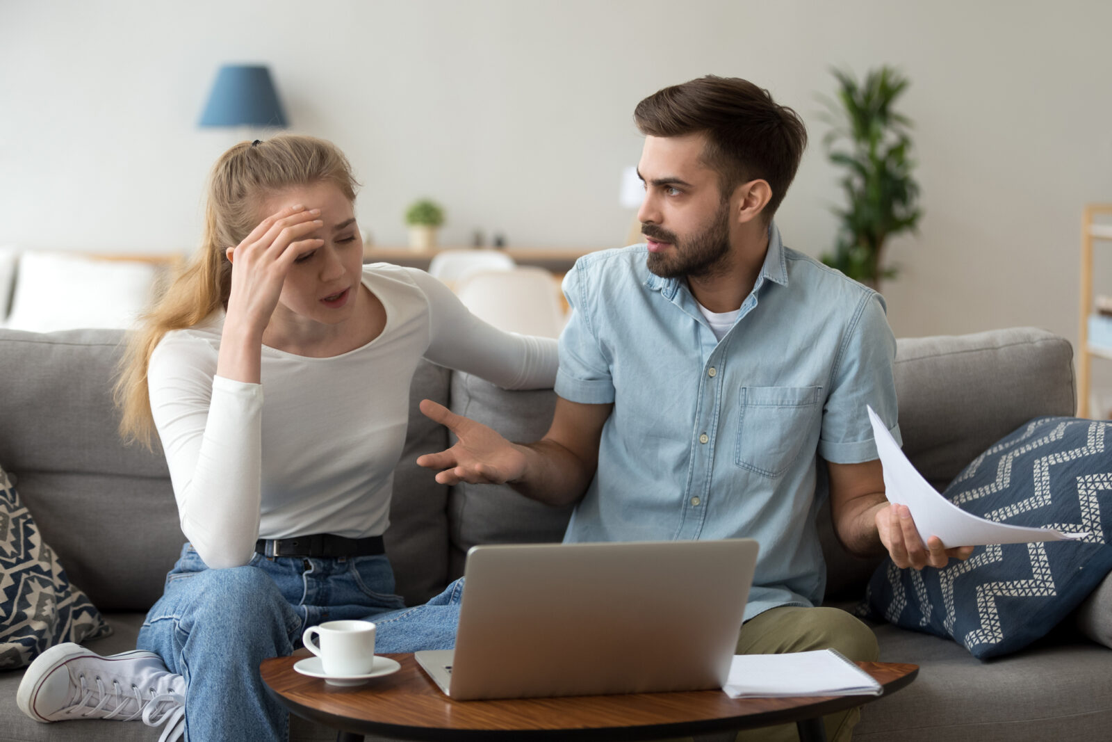 Money-Related Reasons People Get Divorced