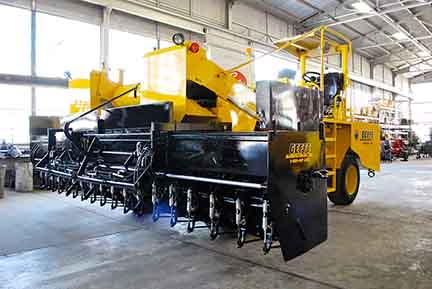 image of Rebuilt Chip Spreader w Expandable Hopper