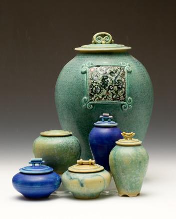 Covered jar Set