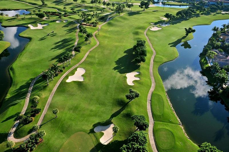 Golf course virtual tours