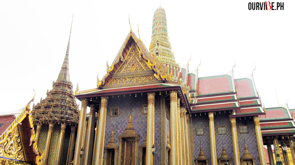 Another temple outside the Temple of the Emrald Buddha