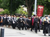 cademic procession at the en:University of Canterbury graduation ceremony 2004. Photo taken by en:User:Clawed.