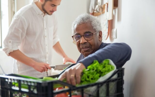 home health aide shopping with senior
