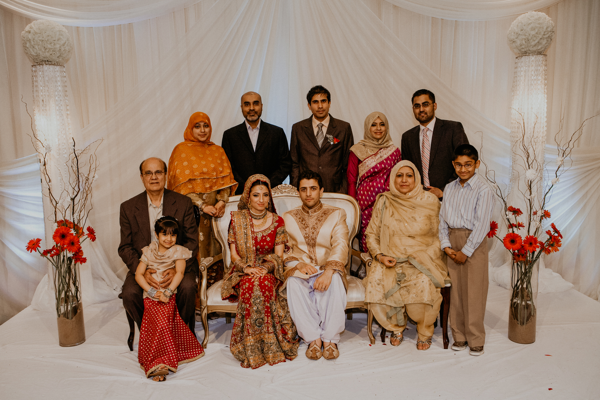 Mehndi family photo Indian wedding photograph MN
