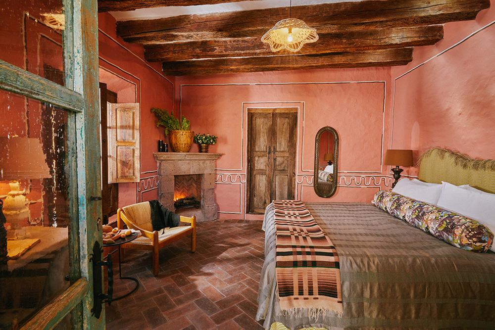 MESON HIDALGO Guestroom Juana