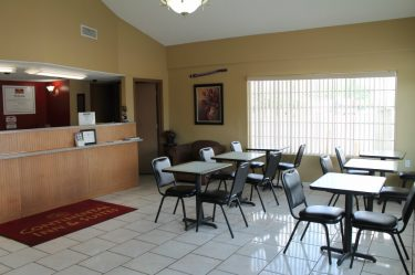 Breakfast Seating Area-Continental Inn & Suites Nacogdoches