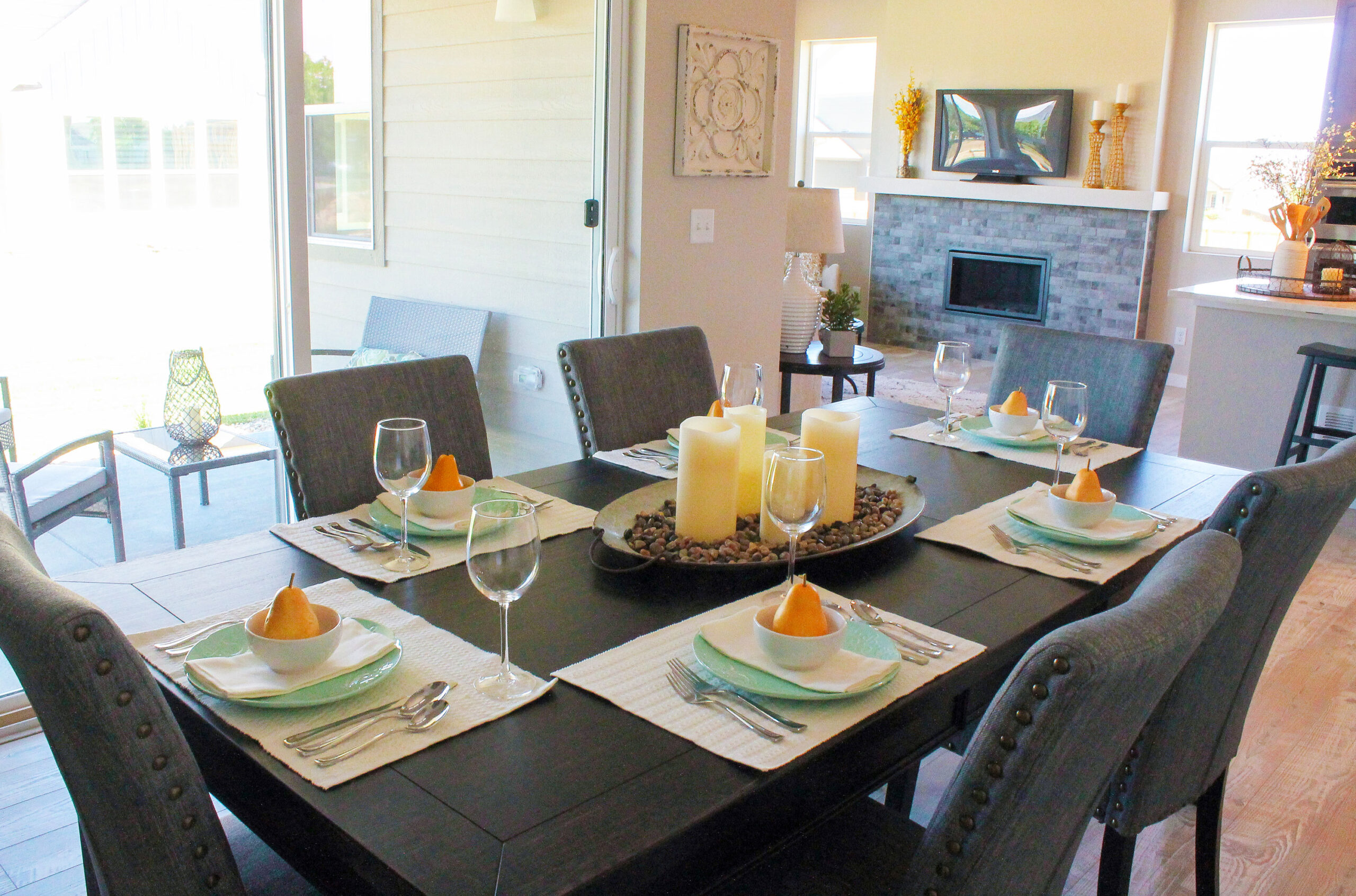 Encore-Designs-Home-Staging-Model-Homes-Great-Room