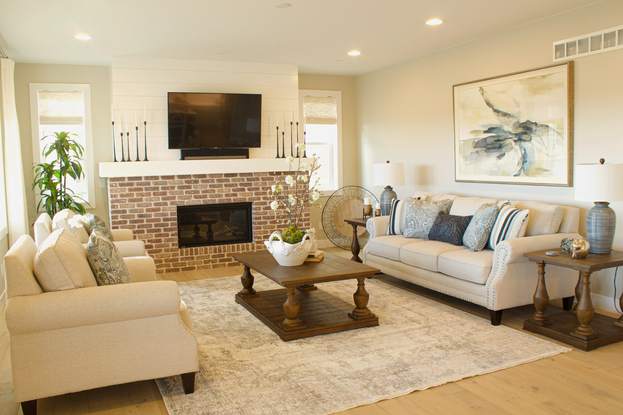 Family Room Interior Decorating