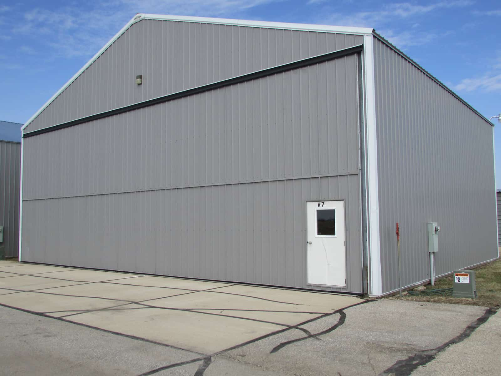 Marion Single Hangar
