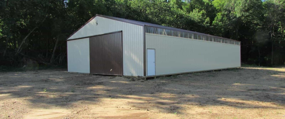 tan and brown machine shed for farm storage