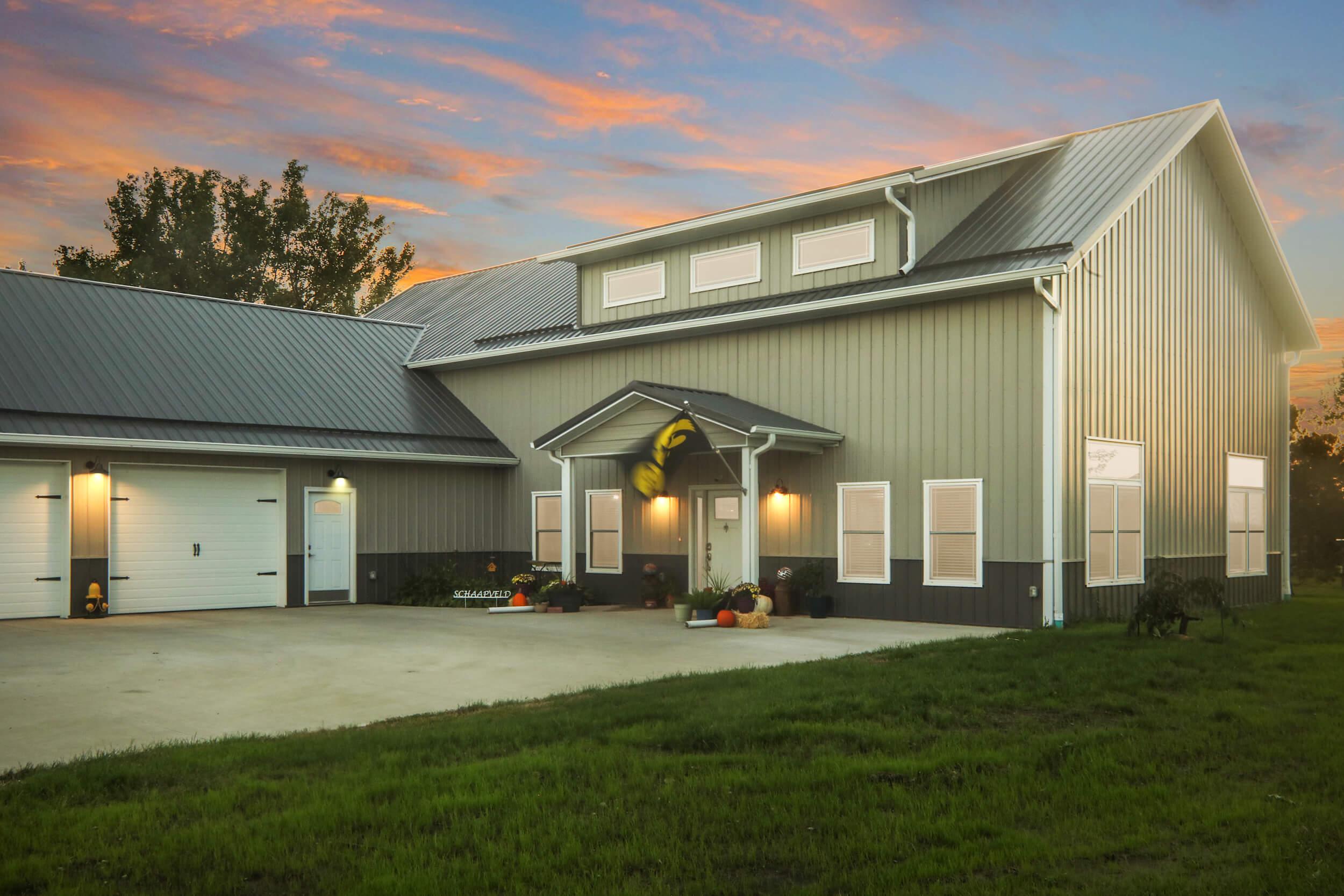 Metal Barn Homes >> Cedar Rapids Metal Pole Barn Building Greiner Buildings