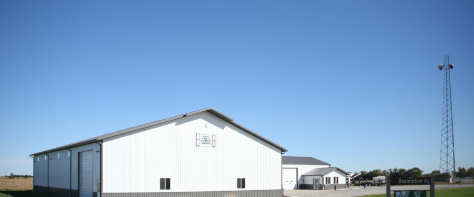 large white pole building for commercial ag