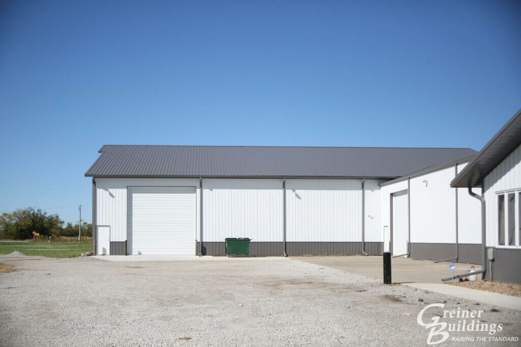 new post frame building with overhead doors