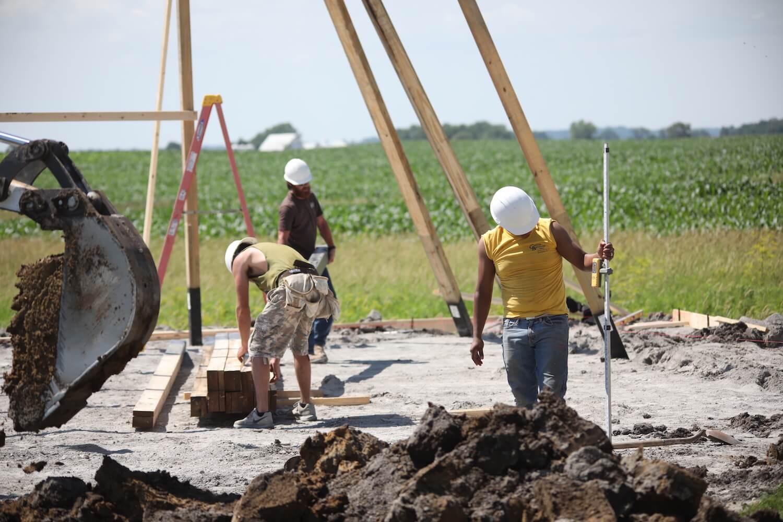 greiner-crew-excavating-leveling-posts