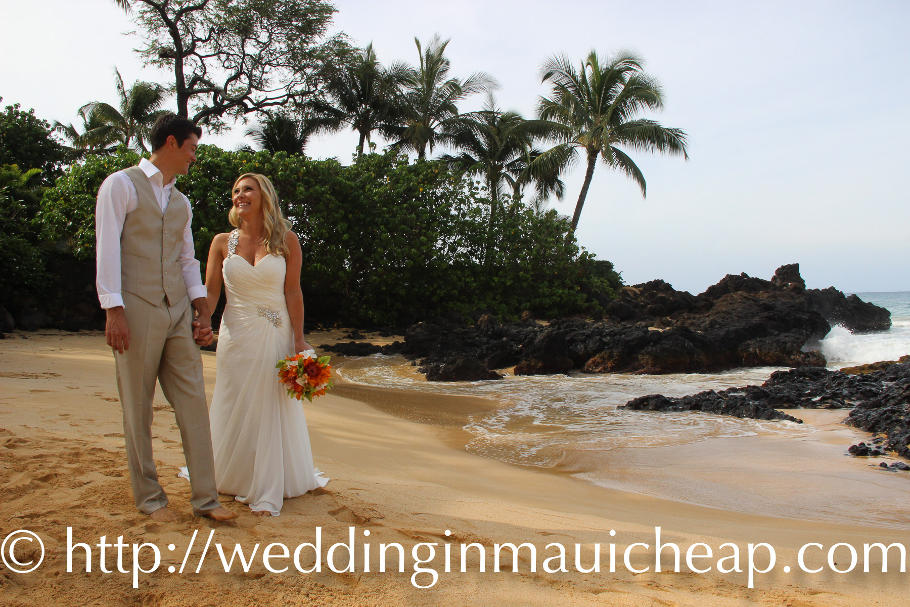 Affordable Barefoot Maui Wedding offers simple Maui wedding packages with photography, Maui ceremony and minister or officiant. Brides tell us our Maui wedding packages are the best Maui wedding or Maui renewal value in Hawaii! Our goal is to create a simple, joy filled Hawaiian themed Wedding or Vow Renewal ceremony that will far exceed your expectations. And because we are family owned and operated, we can offer you an affordable, cheap, Maui weddings and renewals!