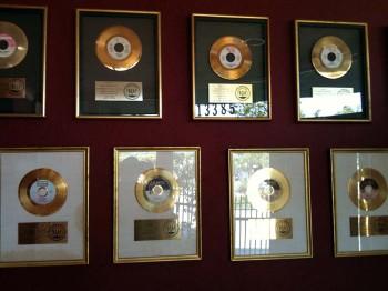 """Layla"" gold singles"