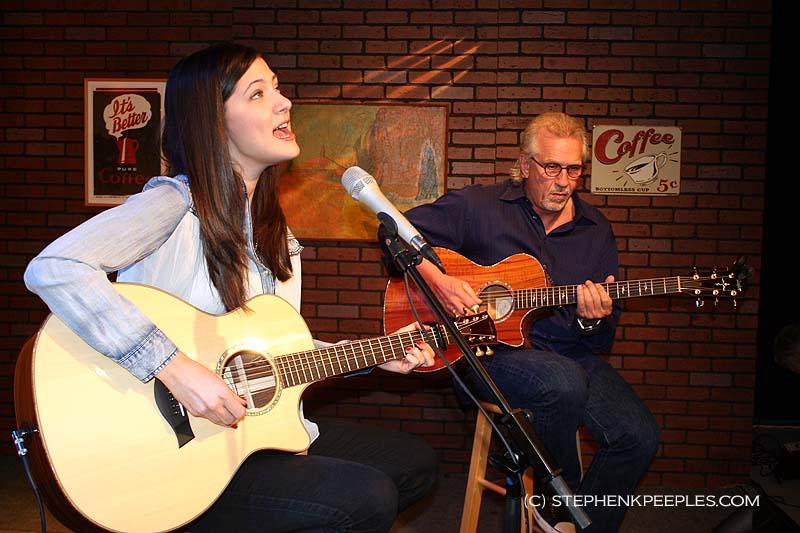 Sara Niemietz and Snuffy Walden on 'House Blend.' Photo: (c) Stephen K. Peeples.