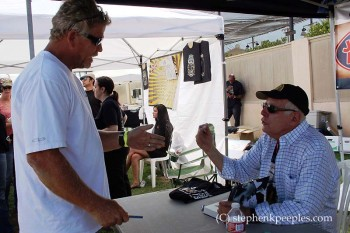 Author Robert Hilburn talks with a fellow Johnny Cash fan at Roadshow 2014.