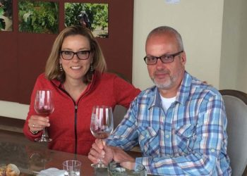 Rod Bennett and Val Pryor, Las Nubes Winery, Guadalupe Valle, Baja California, April 7, 2016.