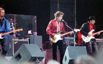 Bob Dylan Nobel Speech - Dylan onstage in Sweden,1996. Photo: Wikimedia Commons.