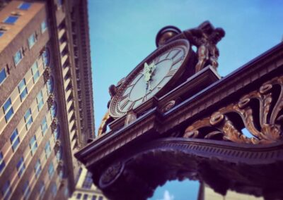 Kaufmann's Clock, Downtown