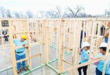 Team-of-volunteers-build-charity-home-cm