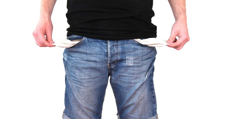 no-money-in-pockets