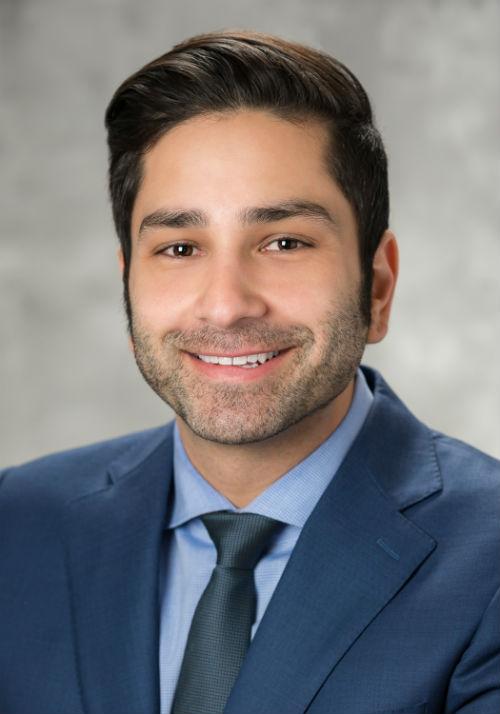 Dr. Farhoud Khosravi Headshot