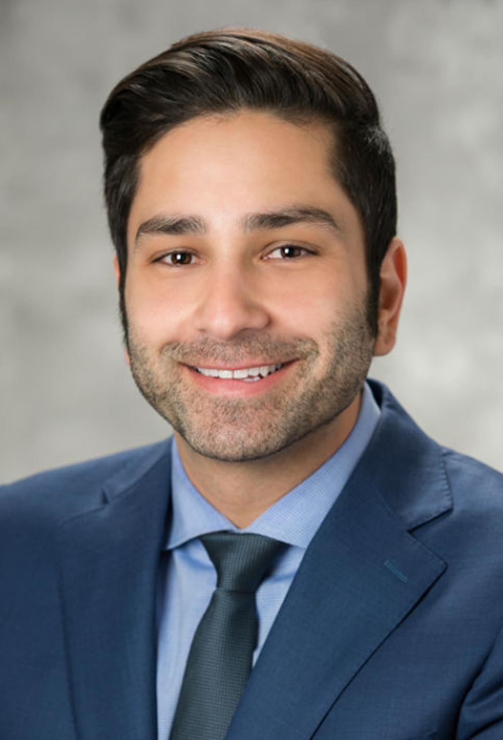 Farhoud Khosravi Headshot