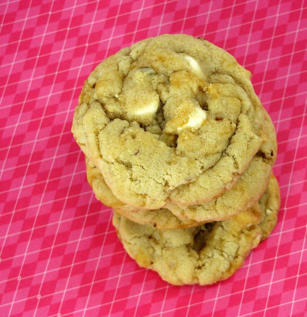 White Chocolate and Almond Cookies Recipe Photo