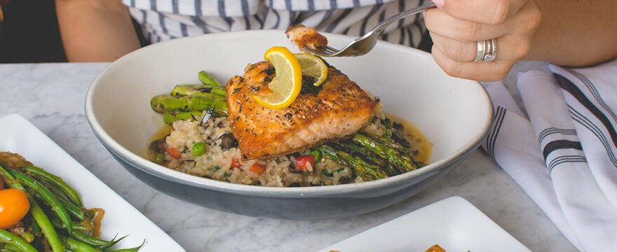 6 Healthy Fish to Eat and 6 to Avoid (…bring list to market)