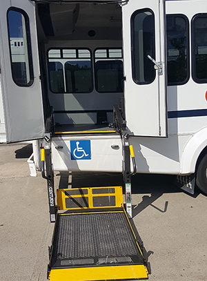 accessible_shuttle_bus