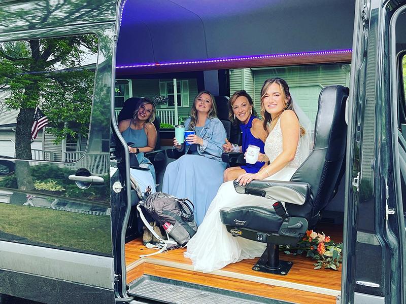 vermont-wedding-limo-van-service