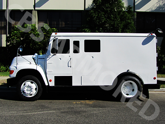 1995-Refurbished-Ford-F800-Armored-Truck-4