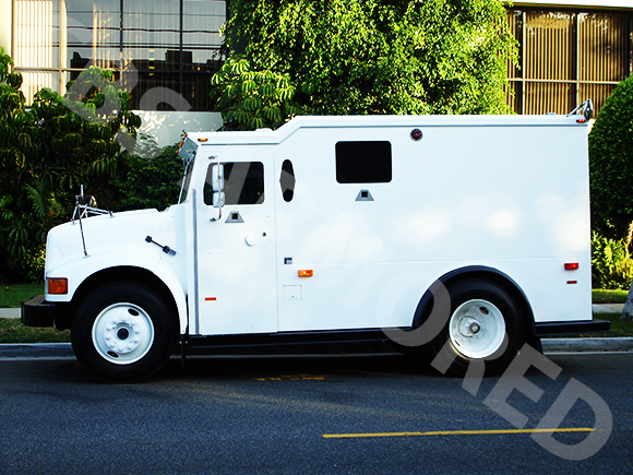 2002-Refurbished-International-4700-Armored-Truck-2