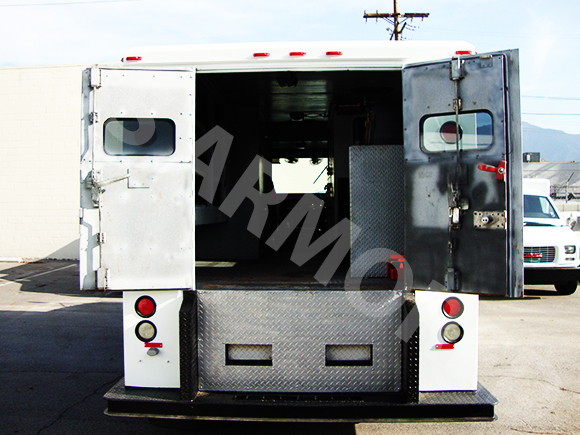 2002-Refurbished-International-4700-Armored-Truck-4