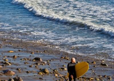 12surfer at pier