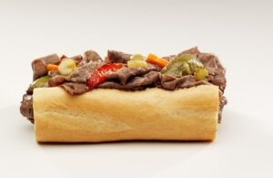 Chicago's Original Italian Beef Opens 17th Buona Beef Restaurant in Beverly