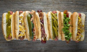 Fabulous Freddies, Chicago Italian Eatery, Celebrates the White Sox Home Opener with Brew and Bridgeport Dog Special