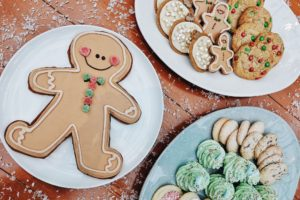 Cindy's Holiday Cookie Shop Pops Up