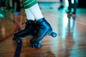 Mistletoes! Holiday Skate Weekend in Stagg Court