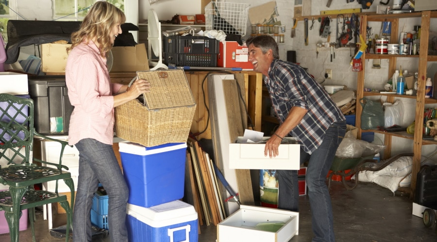 How Renting a Dumpster Can Help You Declutter Your Home